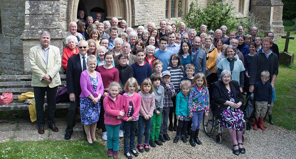 Image of the congregation gathering outside the church in Milton under Wychwood