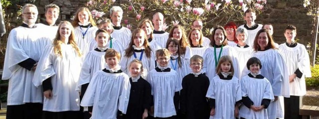 Image of the members of Wychwood Benefice Choir taken at Hereford Catedral